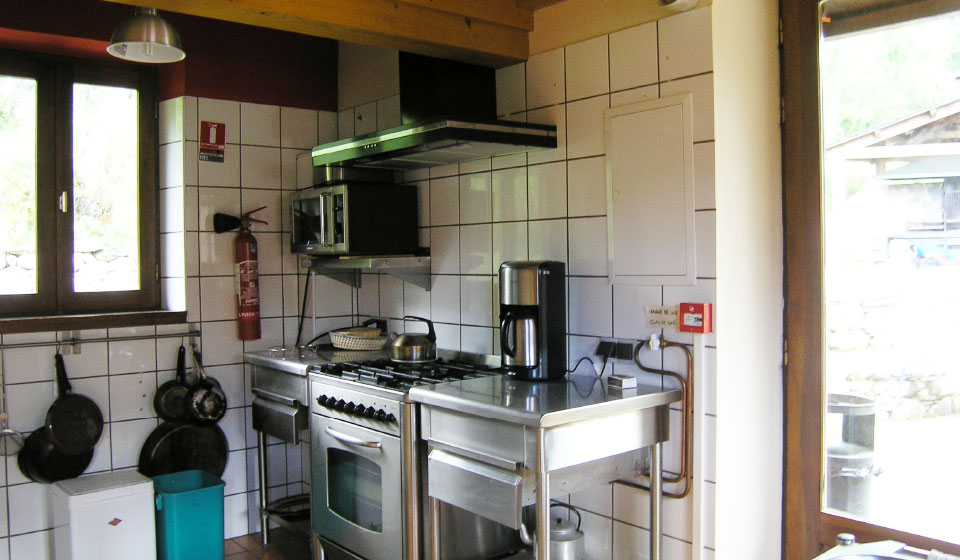 Fully equipped kitchen, all stainless steel