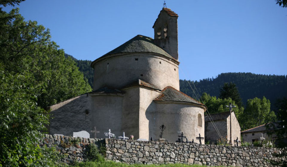 the Planès church, 11th century Romanesque