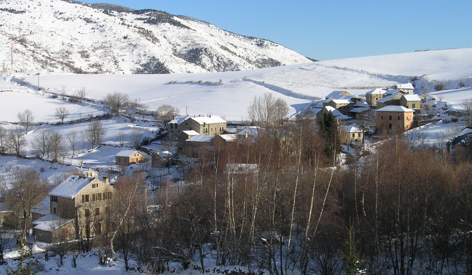 view of Planès in winter from the Orri