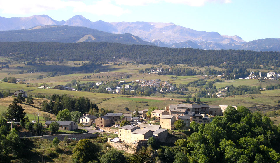 the village of Planès with peak Carlit behind